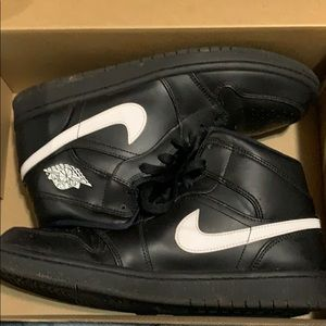 Nike Shoes - Used Air Jordan Black